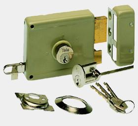 yale-oplegslot-sloten-vervangen-slotenmaker